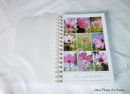 Agenda de poche avec des fleurs de cosmos de Céline Photos Art Nature ouvert